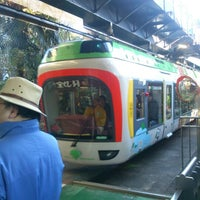 Photo taken at Monorail East Garden Station by 池本 昌. on 1/27/2013