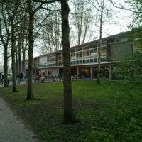 Photo taken at 2e Amstelveense Montessorischool by Marcel B. on 4/1/2014