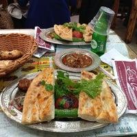 5/11/2013 tarihinde D&G ♉.ziyaretçi tarafından Lezzet-i Şark Antep Sofrası'de çekilen fotoğraf