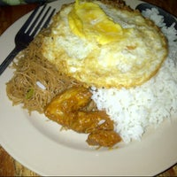 Photo taken at Nasi lemak maklong by Chumie C. on 2/4/2014