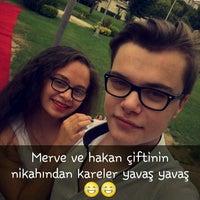 Das Foto wurde bei Alibeyköy Nikah Salonu von Özlem E. am 8/13/2016 aufgenommen