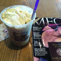 Photo prise au The Coffee Bean & Tea Leaf par Rosesheil O. le2/12/2013