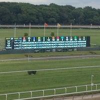 Das Foto wurde bei Belmont Park Racetrack von preston n. am 6/8/2013 aufgenommen