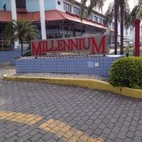 Foto tirada no(a) Shopping Millennium por Hilton Vinicius R. em 12/5/2013
