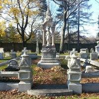 Das Foto wurde bei Mount Auburn Cemetery von Al S. am 11/17/2012 aufgenommen