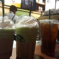 Снимок сделан в Starbucks пользователем Azucena H. 6/2/2018