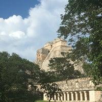 Foto tomada en Zona Arqueológica de Uxmal por Tugce E. el 9/15/2016