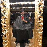 Photo taken at Parham Barbershop | آرایشگاه پرهام by Hamed F. on 12/14/2017
