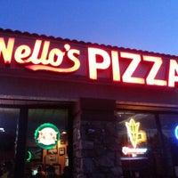 Снимок сделан в Nello's Pizza пользователем Andrew D. 3/30/2013