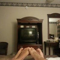 Photo taken at Studio City Court Yard Hotel by Rossella F. on 7/22/2013