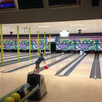Photo taken at King Pin Bowl and Ale House by Laura M. on 8/7/2014