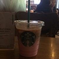 10/2/2017 tarihinde Anindita P.ziyaretçi tarafından Starbucks'de çekilen fotoğraf