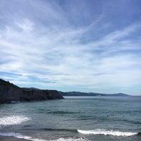 Photo taken at Playa de Itzurun / San Telmo by Miquel Àngel Z. on 12/10/2016