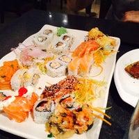 Foto tirada no(a) Hashi Sushi Bar por Adri L. em 11/19/2014