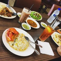 Photo taken at Restoran Dallah Nasi Arab by amirul h. on 1/17/2017