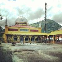 Photo taken at Masjid Tok Bandar by yoesry K. on 7/3/2013