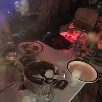 Das Foto wurde bei bellapais spots bar von Gülşah G. am 7/14/2017 aufgenommen