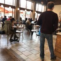 รูปภาพถ่ายที่ Peet's Coffee & Tea โดย E E. เมื่อ 4/22/2018