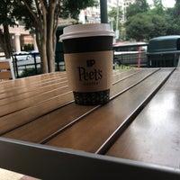 รูปภาพถ่ายที่ Peet's Coffee & Tea โดย E E. เมื่อ 6/10/2018