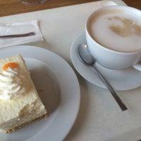 Das Foto wurde bei Zurbrüggen Panorama Restaurant von Lilly P. am 4/16/2016 aufgenommen