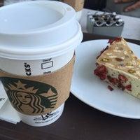 8/11/2016 tarihinde Baris Kerem B.ziyaretçi tarafından Starbucks'de çekilen fotoğraf