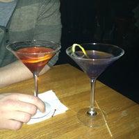 4/21/2013 tarihinde Lindsay B.ziyaretçi tarafından Weegee's Lounge'de çekilen fotoğraf