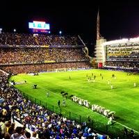 """Foto tirada no(a) Estadio Alberto J. Armando """"La Bombonera"""" (Club Atlético Boca Juniors) por Annie K. em 3/4/2013"""