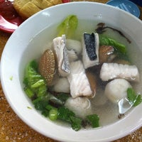 Photo taken at Restoran Rasa Sayang by Vincent C. on 9/28/2012