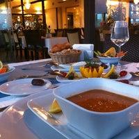 7/6/2014 tarihinde Ayşegül K A.ziyaretçi tarafından Tabbah Restaurant'de çekilen fotoğraf