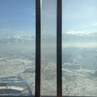 11/28/2016 tarihinde Assyl T.ziyaretçi tarafından The Ritz-Carlton, Almaty'de çekilen fotoğraf