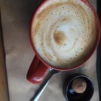 3/21/2018 tarihinde Zeyneb P.ziyaretçi tarafından Sloth Coffee Shop'de çekilen fotoğraf