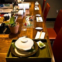 Photo taken at Linn Japanese Restaurant by 7th.List on 10/11/2012