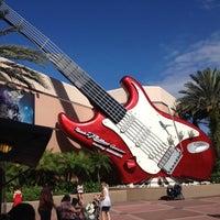 Photo taken at Rock 'N' Roller Coaster Starring Aerosmith by Josh D. on 10/20/2012