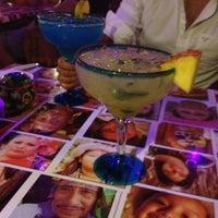 Foto tomada en Taco y Tequila por Artur M. el 3/22/2013