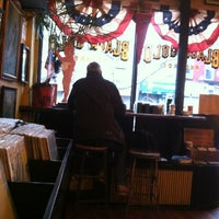 Photo taken at Black Gold Brooklyn by Rachel W. on 2/28/2013