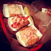 Foto tomada en Luke's Lobster por Jack J. el 10/31/2013
