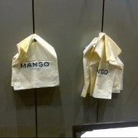 Foto tomada en Mango por Lieee ♡. el 12/30/2012
