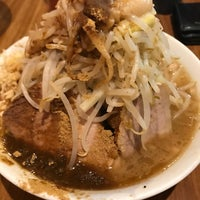 Photo taken at Ramen Jiro by さて ら. on 11/30/2017