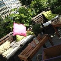 Das Foto wurde bei Kreipe's Coffee Time von gee _. am 7/7/2013 aufgenommen