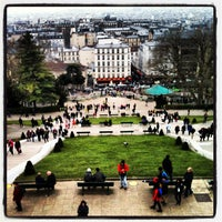 Photo prise au Square Louise Michel par Alexander T. le4/6/2013