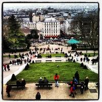 Photo prise au Square Louise Michel par Alexander T. le4/6/2013