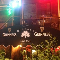 Photo taken at Belfast Irish Pub by Oğuz D. on 4/5/2013