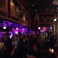 Photo taken at Rí Rá Irish Pub by Oğuz D. on 10/7/2012