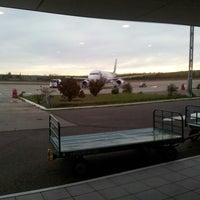 Foto tomada en Aeropuerto Internacional del Neuquén - Presidente Juan D. Perón (NQN) por Diorella P. el 5/4/2013