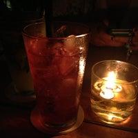 Photo prise au Bluegrass Bar & Grill par Miumama ʚ♥⃛ɞ le9/23/2012