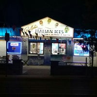Photo taken at Ralph's Famous Italian Ices by Stacey~Marie on 9/14/2015