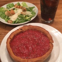 Photo taken at Giordano's Pizzeria, Restaurants by Katie L. on 5/10/2016