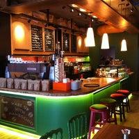 8/5/2013 tarihinde Koray E.ziyaretçi tarafından Mambocino Coffee'de çekilen fotoğraf