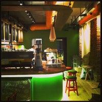 7/17/2013 tarihinde Koray E.ziyaretçi tarafından Mambocino Coffee'de çekilen fotoğraf