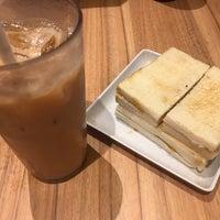 รูปภาพถ่ายที่ Toast Box 土司工坊 โดย Pang L. เมื่อ 7/22/2017